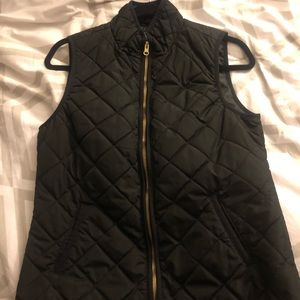Old Navy Women's lightweight quilted vest